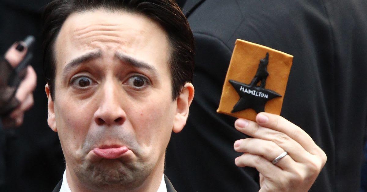 The 'Hamilton' Cast Made Lin-Manuel Miranda Cry On The Oscars Red Carpet