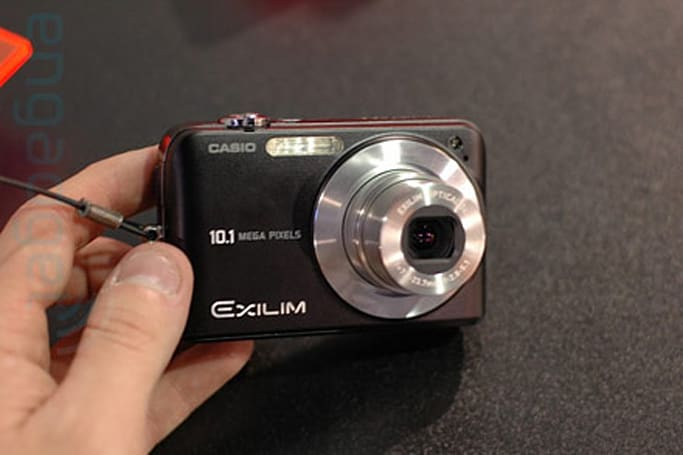 Hands-on with Casio's EXILIM EX-Z1050, Z75, and V7