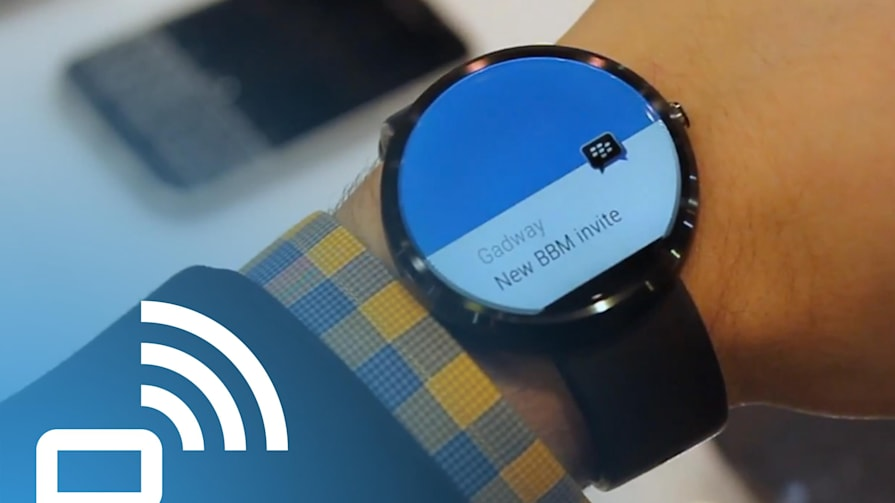 A Look at BBM on the Moto 360
