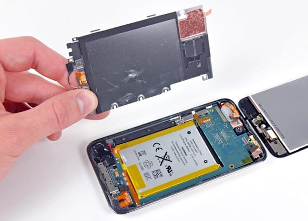 iPod touch (2010) torn down, found to contain an awful lot of battery