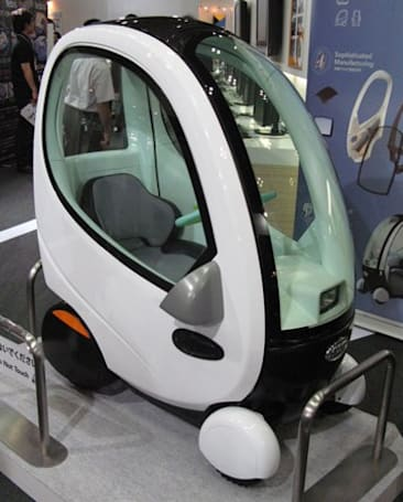 Topia shows off 330-pound HUVO electric car