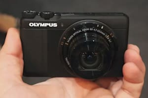 Olympus Stylus XZ-10 Hands-On