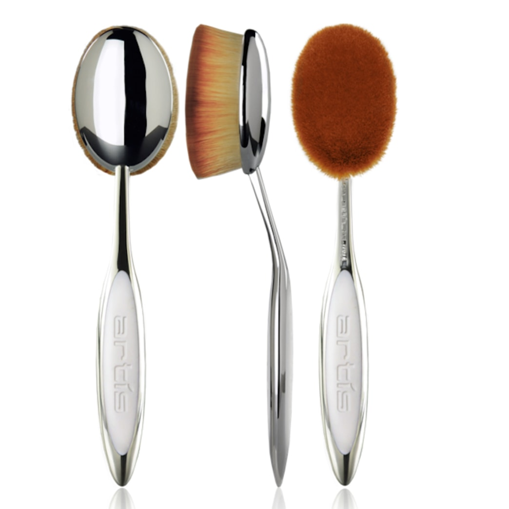 Enter for a chance to win 3 luxury Artist makeup brushes & a Brush Cleansing Starter Set!