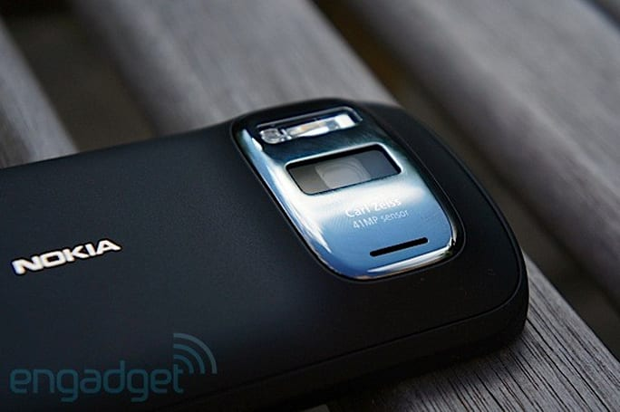 Nokia's 808 PureView will not be sold by major UK carriers, time to save up some pounds