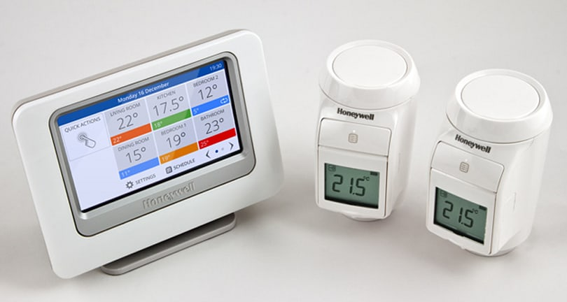 Honeywell thermostat lets you set the temperature using your Pebble smartwatch