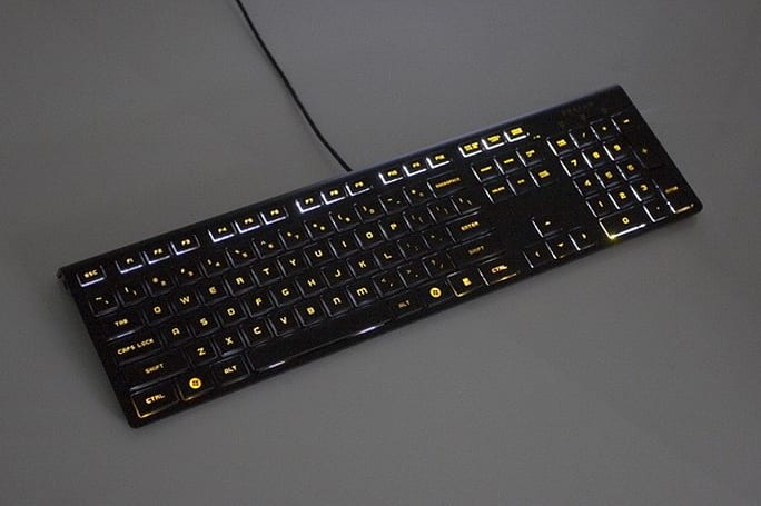 DarFon exhibits luminous keyboard, giggling mouse at Computex