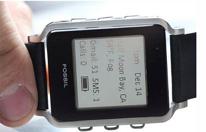 Fossil Connected watch concept displays vital info from your Android or BlackBerry handset, looks great doing it