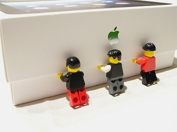 Friday Flickr Find: Unboxing an iPad, LEGO style