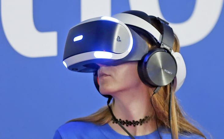 Playstation VR 现在支持 360 度 Youtube 视频了