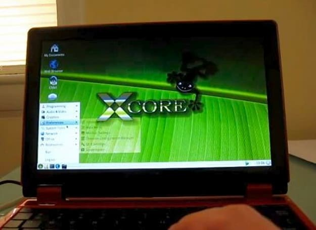 NorhTech Gecko netbook reviewed, small, slow (video)
