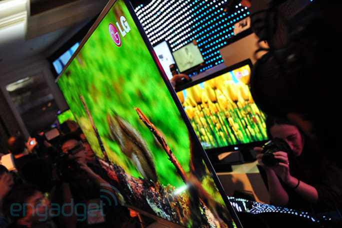 LG's 6.9mm thin LED-backlit LCD hands-on at CES