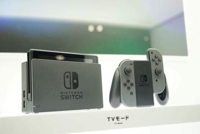 動画: Nintendo Switchは理屈抜きに楽しい! アツすぎる対戦プレイに取材班迷わず「買う」宣言。プレゼン&体験会レポ