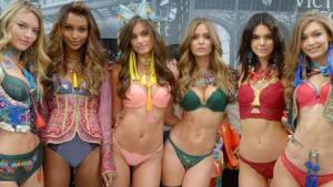Victoria's Secret Models Chow Down on Junk Food