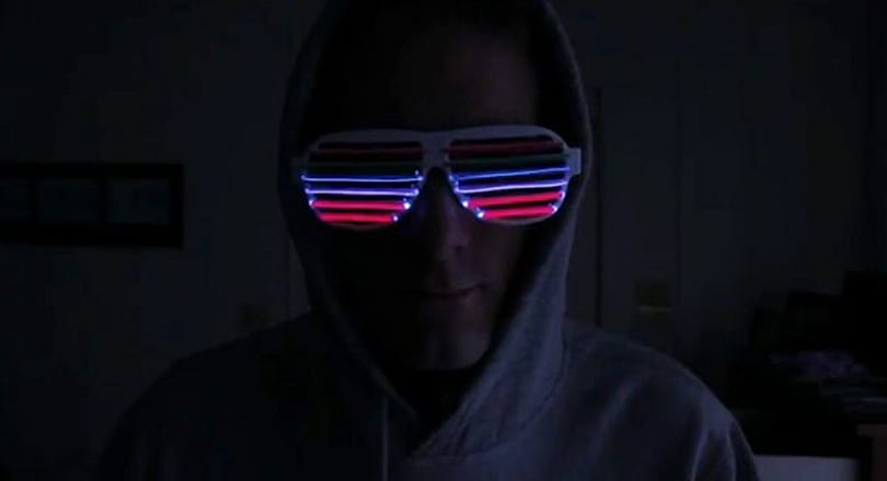 New Year reveler crafts Kanye-approved EL Wire glasses: light up as the bass pounds (video)