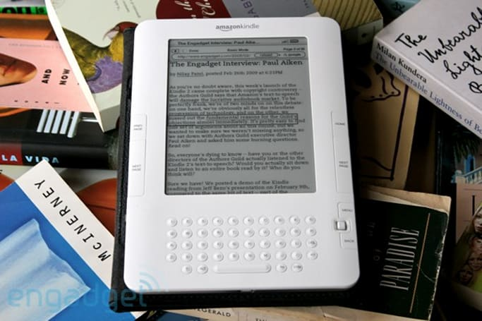 Kindle 2 hacked for tethered web browsing, but not the way you think