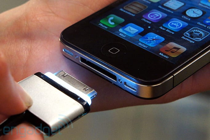 CordLite illuminated iOS dock connector cable hands-on (video)