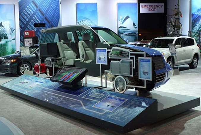 Toyota's hydrogen-powered FCHV gets inspected