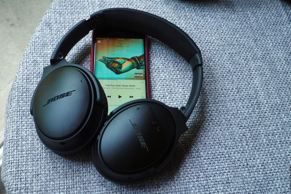 Bose goes wireless with the QuietComfort 35 headphones