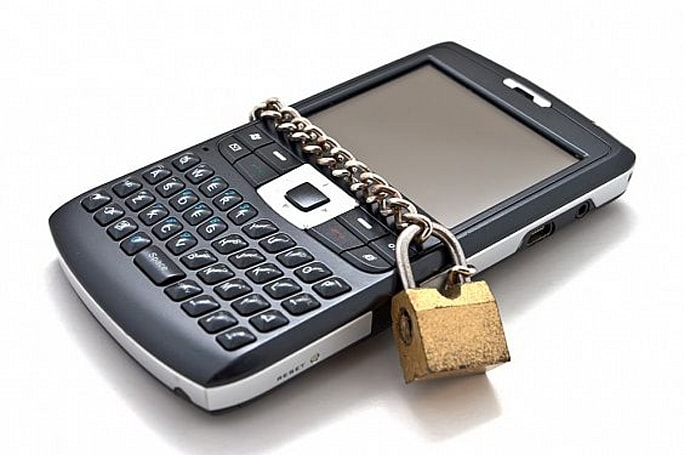 Unlocking new phones now banned under DMCA, the EFF weighs in