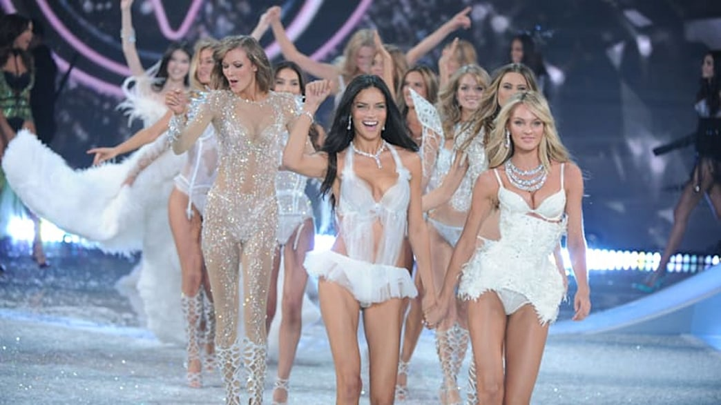 Watch a live stream of the Victoria's Secret Fashion Show PRE-SHOW!