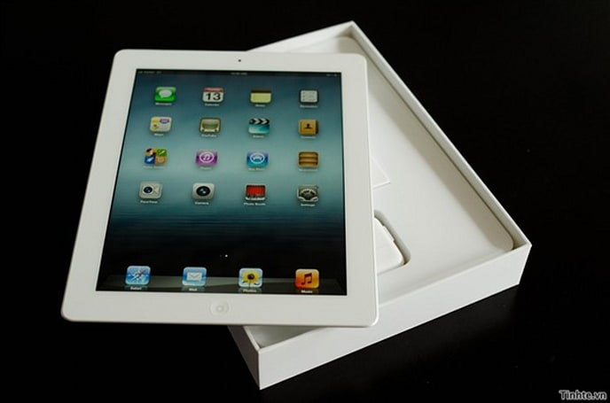 New iPad spotted in the wild, unboxing photos and video in tow