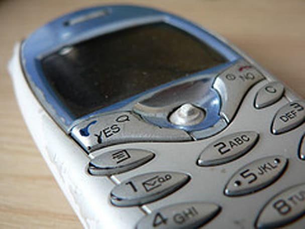 Survey sez just 11-percent of Americans rely solely on cellphones