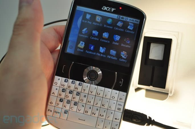 Acer beTouch E130 kicks it BlackBerry-style, but runs Android 1.6 (video)