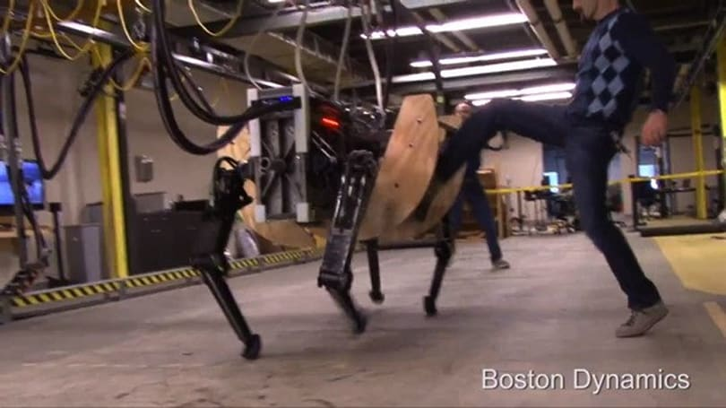 Boston Dynamics Alpha Dog makes Alyx Vance's pet look like a toy (video)