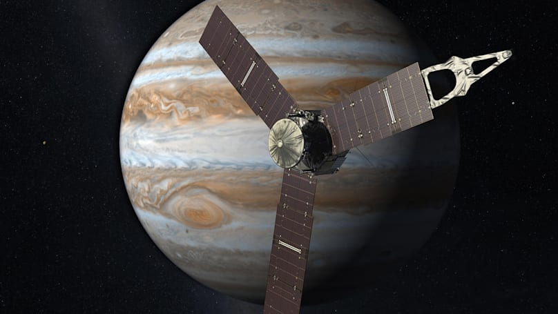 Juno sets distance record for solar-powered spacecraft