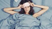 「寝る前スマホ」は安眠妨害の原因? JINSが就寝前のスマホ利用と睡眠の関係性をアンケート調査