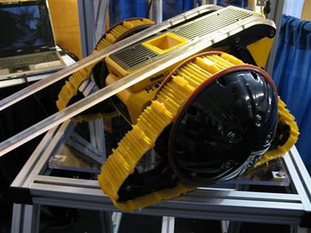 Galileo robot sports hybrid treads, tackles most any terrain