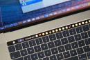 Photoshop 已經能用 MacBook Pro 的觸控條上工啦!