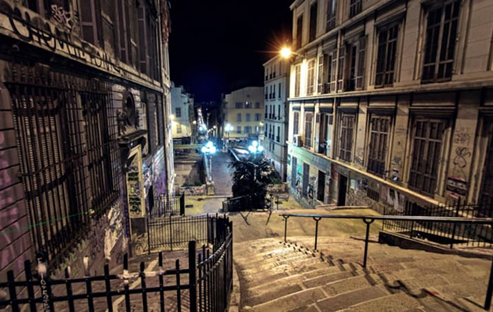 Safely tour Marseille's back streets after dark with Google Night Walk