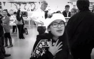Teenage girls fill Apple Store with Christmas spirit in adorable dance video
