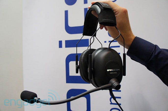 Plantronics GameCom Commander headset hands-on