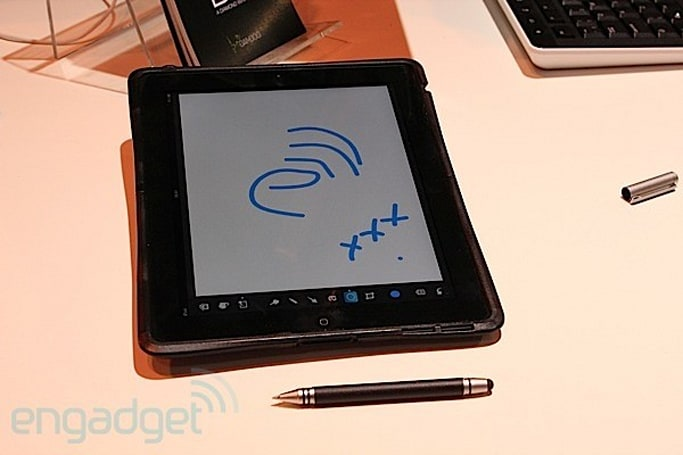 Wacom Bamboo Stylus Duo lets you draw something on tablets and paper