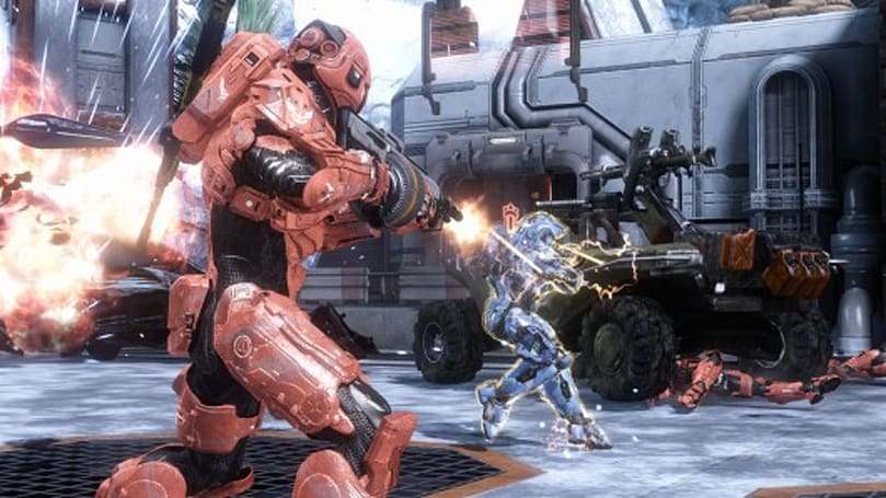 This Halo 4 trick jumping video is everywhere at once