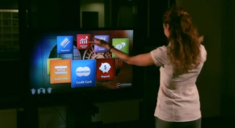 Kinect hack lets you manage your bank account with gestures, will occupy your living room (video)