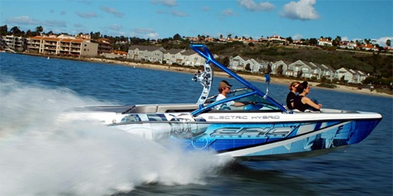 Aptera co-founder debuts EPIC 23e hybrid electric wake boat