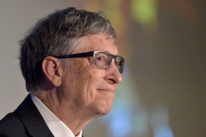 比尔盖茨认为要开征机器人税