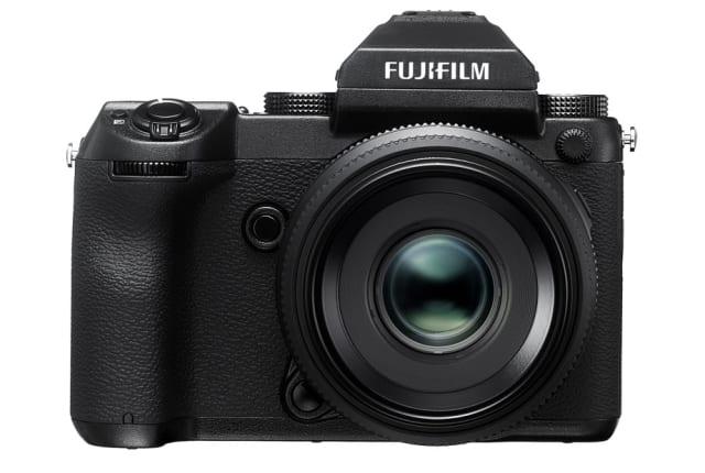 中判ミラーレス「FUJIFILM GFX 50S」は2月下旬発売。新規開発Gマウント採用、GFレンズは1億画素にも対応