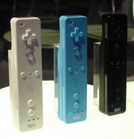 Nintendo's Wiimote / Nunchucks to get colorful makeover?