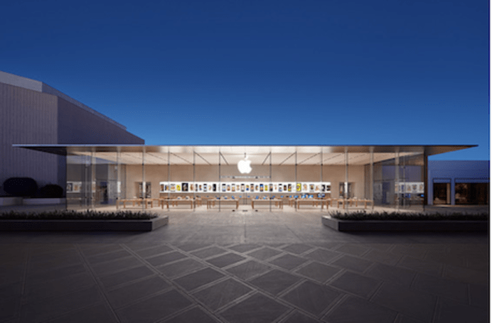 Tim Kobe: Apple Store chain not evolving