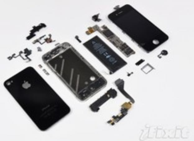 iFixit opens up the iPhone 4