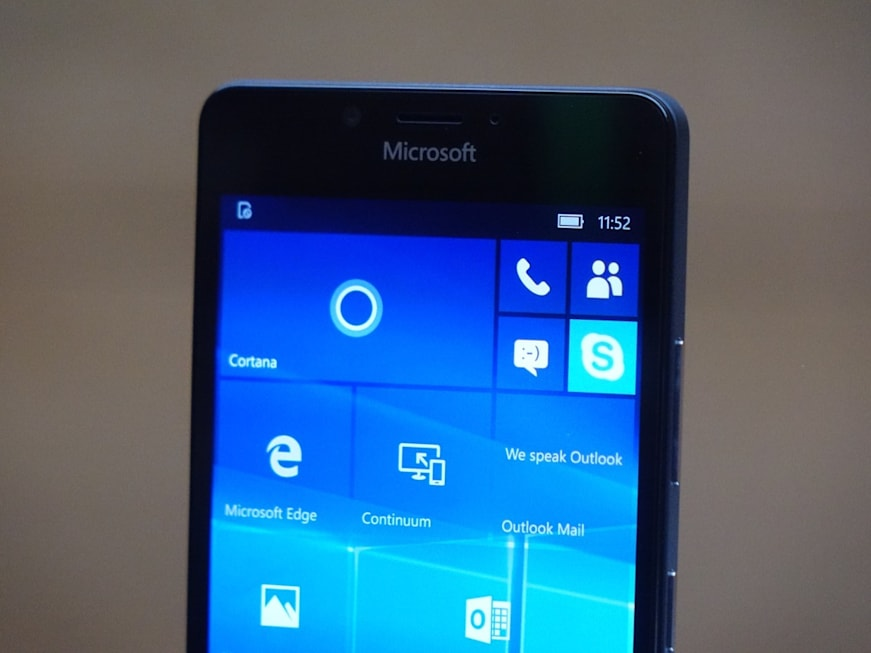 High-end Windows Phones make a comeback with the Lumia 950 ...
