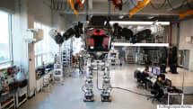 想像より洗練──韓国の2足歩行ロボ「METHOD-2」を実際に操縦してみました