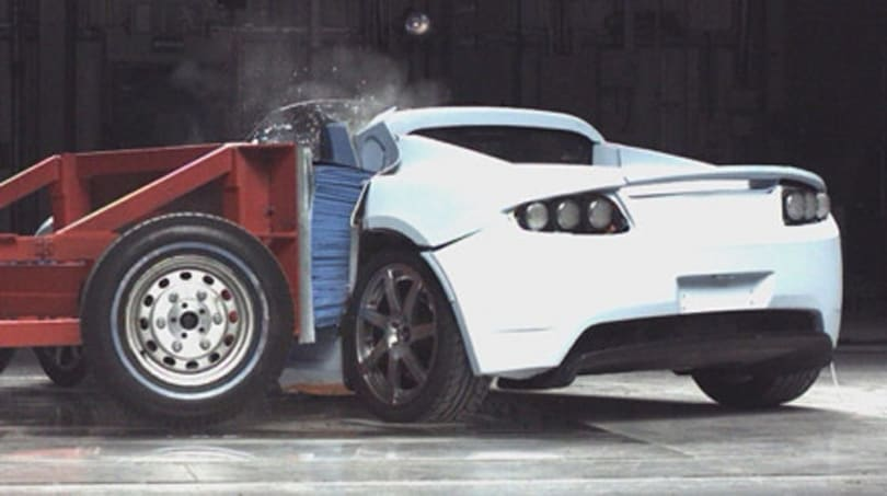Tesla Roadster gets out of air bag requirement for green behavior
