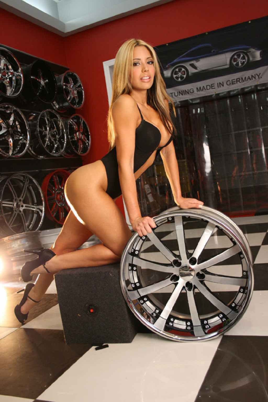 babes, bikini, cars girls, CarsGirls, Chrom, erotisch, featured, Felge, fotoshooting, grid girls, GridGirls, heels, Rad, Savini, sexy, Sexy girls, SexyGirls, Tuner, Tuning, vossen, wheels