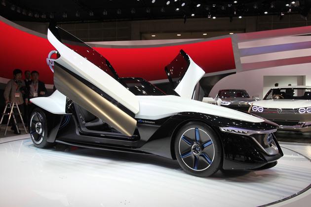 【東京モーターショー2013】日産の「ブレードグライダー」は2020年までに市販化を目指す!