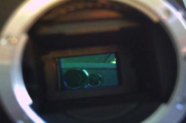 Cleaning the CMOS sensor on the D70s